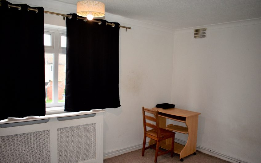 2 BEDROOM FLAT TO LET IN HORNCHURCH