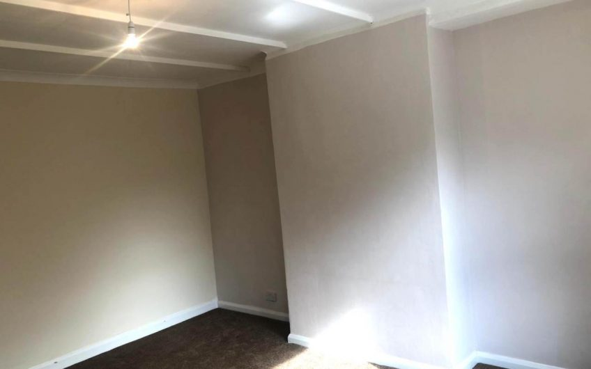 4 BEDROOM HOUSE TO LET IN WEST YORKSHIRE