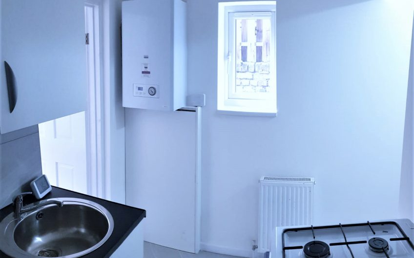 2 BEDROOM HOUSE TO LET IN LEYTON